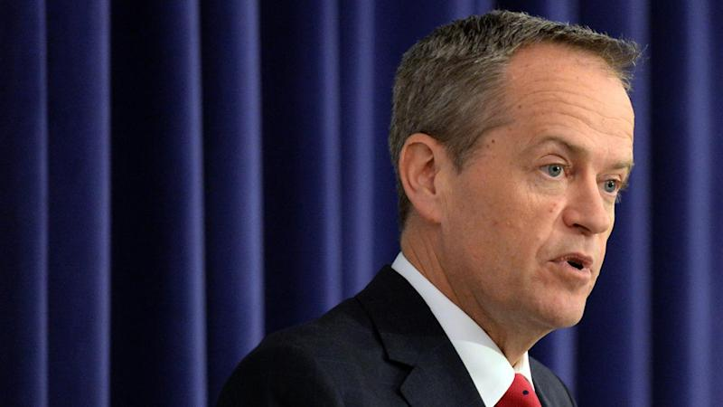 Labor's Bill Shorten is heading to the Northern Territory for talks with indigenous leaders.