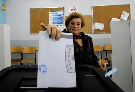 Kosovo voters flock to opposition parties in parliamentary poll