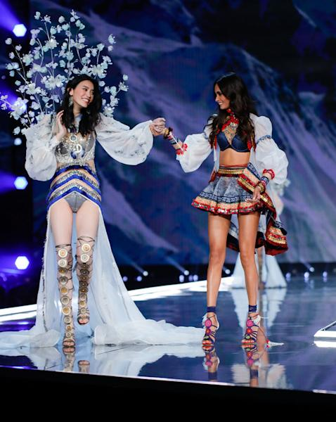 The Victoria's Secret show was not without it's share of runway drama.