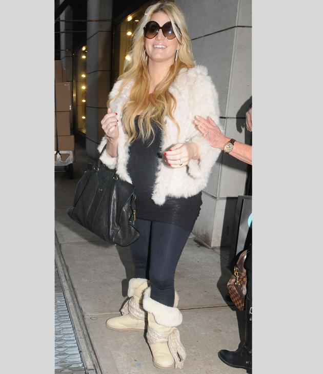 Celebrity pregnancy fashion: Jessica Simpson may have netted millions from her fashion line but she's all about the comfort right now! This week she sported a (we hope faux) fur jacket with flat Ugg boots, leggings and a long top.