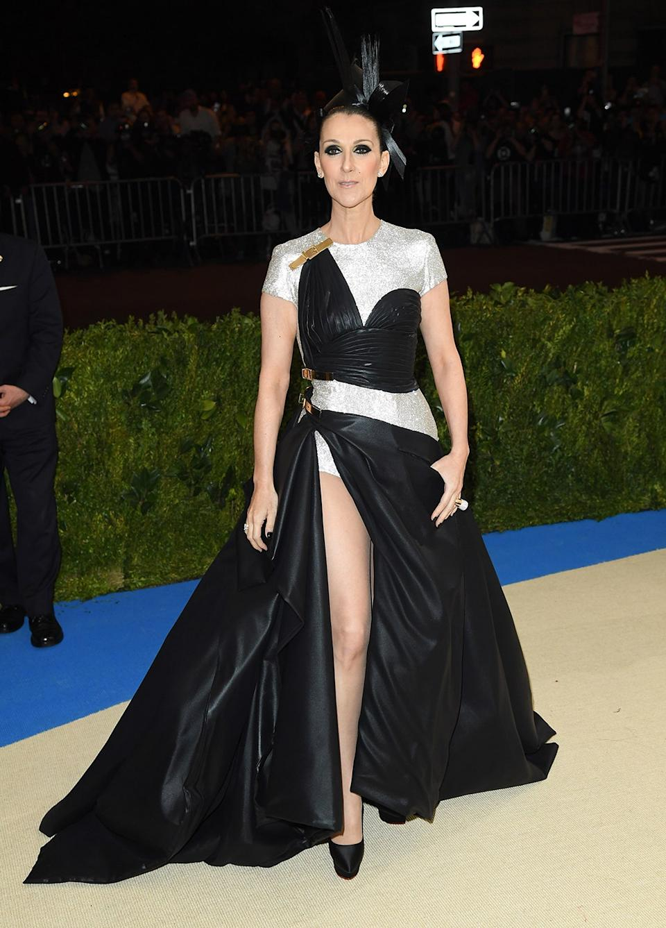 """<h1 class=""""title"""">Celine Dion in Versace and Bulgari jewelry</h1><cite class=""""credit"""">Photo: Getty Images</cite>"""