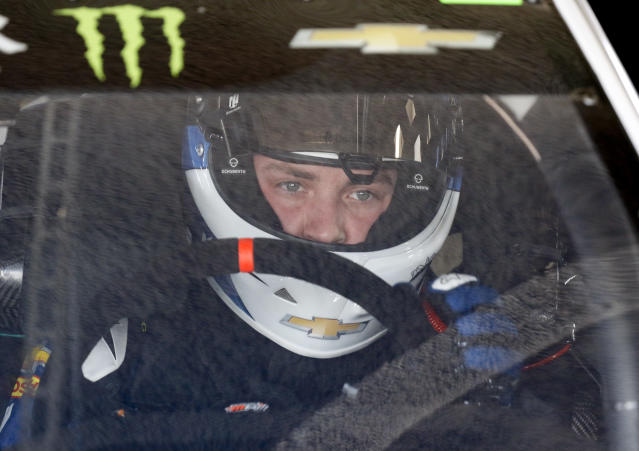 "<a class=""link rapid-noclick-resp"" href=""/nascar/nationwide/drivers/3188"" data-ylk=""slk:Alex Bowman"">Alex Bowman</a> prepares to go out on the track during a NASCAR auto racing practice session at Daytona International Speedway, Saturday, Feb. 10, 2018, in Daytona Beach, Fla. (AP Photo/Terry Renna)"