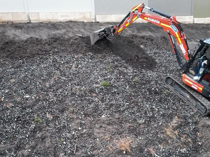 A whistleblower says asbestos-contaminated mulch was spread around a train project in Perth's south.