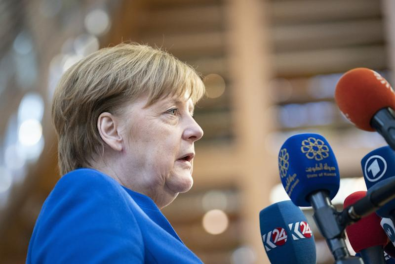Merkel Calls for EU Commission Solution by June 30: Official