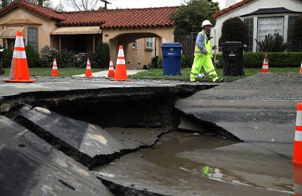 NBC Orders 'La Brea' Pilot About 'Massive Sinkhole' in Los Angeles