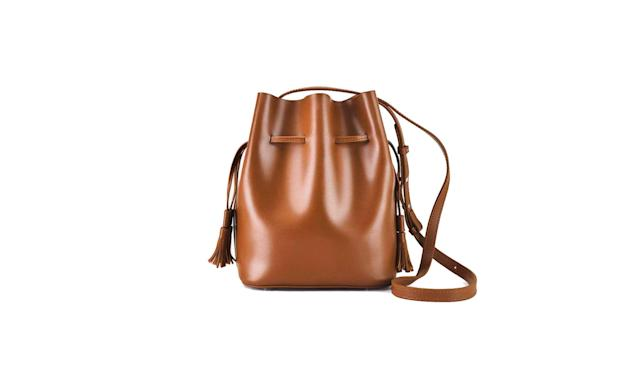 Chocolate brown bucket bag (Photo: Genuine People)
