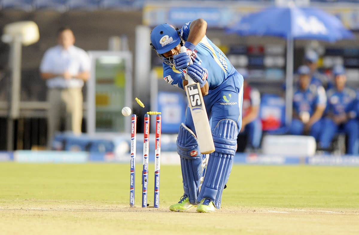 Dwayne smith of Mumbai Indians gets bowled out by Ashok Dinda of Pune Warriors during match 58 of the Pepsi Indian Premier League ( IPL) 2013  between The Pune Warriors India and the Mumbai Indians held at the Subrata Roy Sahara Stadium, Pune on the 11th May 2013. (BCCI)