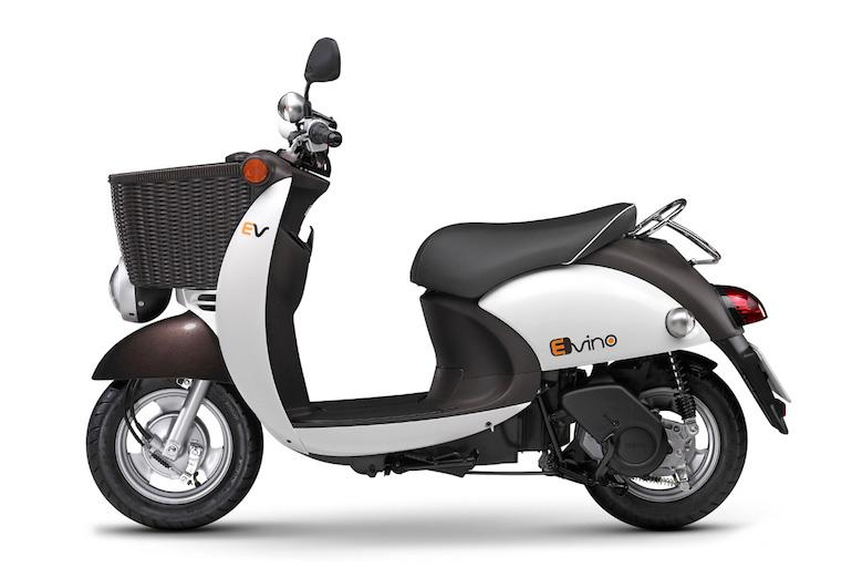 2015-Yamaha-eVino-electric-scooter-left-side-profile-1
