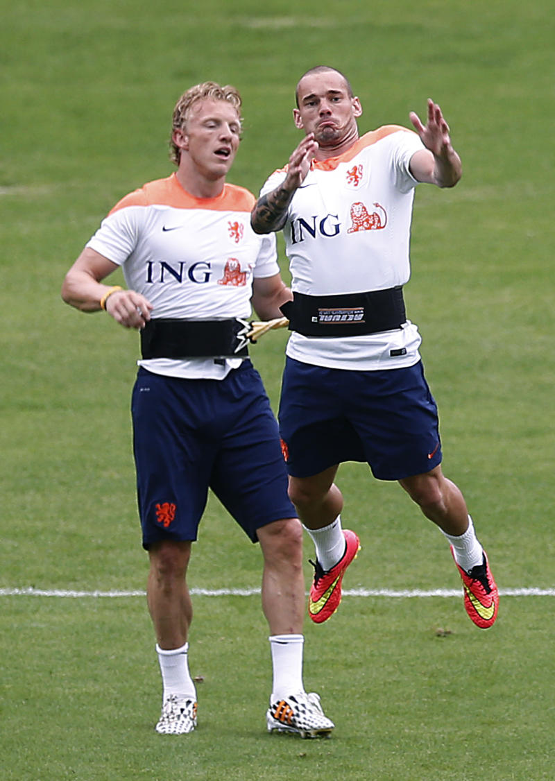 Sneijder fighting fit thanks to martial arts