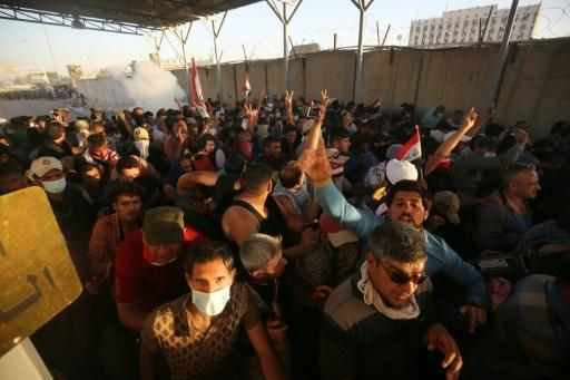 Angry protesters briefly enter Iraq PM's office