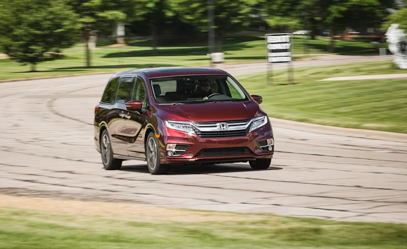 ... But Three Row SUVs Continue To Move Substantially In The Minivan  Direction, With Decreased Ground Clearance And Towing Capacity;  Front Wheel Drive ...