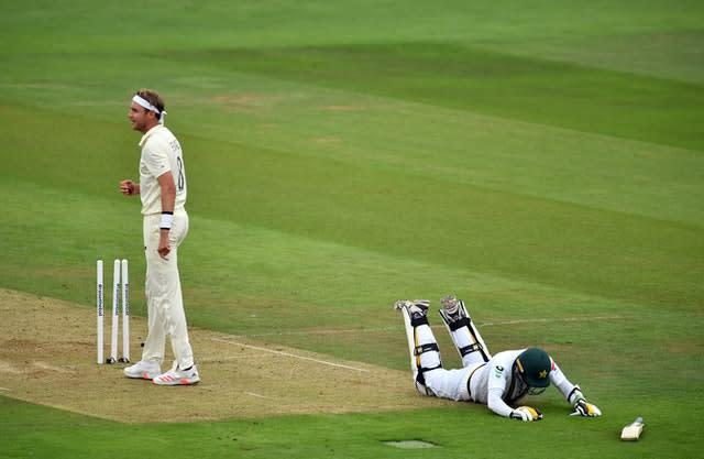 Pakistan's Mohammad Abbas makes it back to his crease as England's Stuart Broad attempts to run him out (Glyn Kirk/PA)