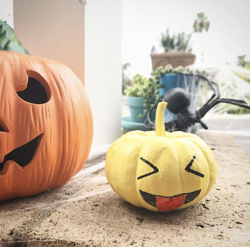 """<p>How cute is this teeny-tiny tongue-out gourd? The small size will make it a great addition to your <a href=""""https://www.countryliving.com/home-design/decorating-ideas/g1936/halloween-mantel-ideas/"""" rel=""""nofollow noopener"""" target=""""_blank"""" data-ylk=""""slk:fall mantel"""" class=""""link rapid-noclick-resp"""">fall mantel</a>, too.</p><p><strong>See more at <a href=""""https://www.instagram.com/p/BMMuLSRgrxZ/"""" rel=""""nofollow noopener"""" target=""""_blank"""" data-ylk=""""slk:@ccbjohnnie"""" class=""""link rapid-noclick-resp"""">@ccbjohnnie</a>.</strong></p><p><strong><a class=""""link rapid-noclick-resp"""" href=""""https://www.amazon.com/Sharpie-75846-Permanent-Assorted-24-Count/dp/B000GOZYRO/?tag=syn-yahoo-20&ascsubtag=%5Bartid%7C10050.g.22133548%5Bsrc%7Cyahoo-us"""" rel=""""nofollow noopener"""" target=""""_blank"""" data-ylk=""""slk:SHOP SHARPIE MARKERS SET"""">SHOP SHARPIE MARKERS SET</a><br></strong></p>"""
