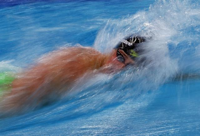 AUSTIN, TX - JANUARY 17: Ryan Lochte swims in the Men's 200 meter individual medley during the Arena Pro Swim Series at Austin on January 17, 2016 in Austin, Texas. (Photo by Ronald Martinez/Getty Images)