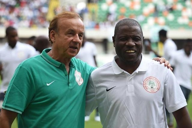 A file photo of assistant Salisu Yusuf (R) posing with Nigeria head coach Gernot Rohr (AFP Photo/PIUS UTOMI EKPEI)