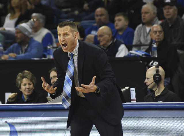 Buffalo head coach Nate Oats yells to his team during an NCAA college basketball game against Central Michigan in Buffalo, N.Y., Saturday, Feb. 9, 2019. (AP Photo/Heather Ainsworth)