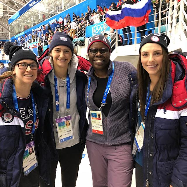 <p>SNL comedian Leslie Jones and members of the U.S. women's hockey team. (Photo via Instagram/hilaryknight) </p>