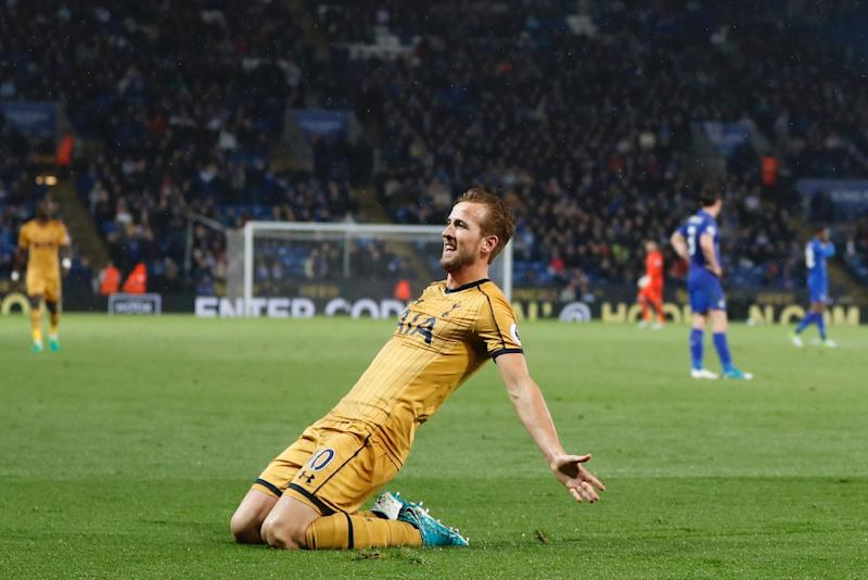 Harry Kane scores four goals as Tottenham beat Leicester 6-1