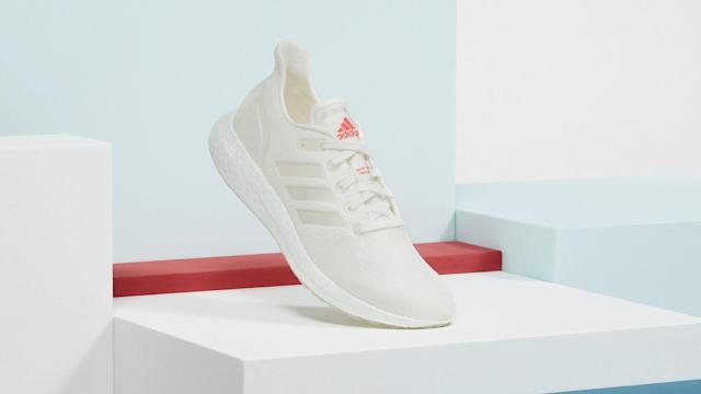 Abrumar Chispa  chispear Prosperar  1,500 Pairs of the Adidas New Ultra Boost DNA Loop Sneakers Are Being Given  Away For Free