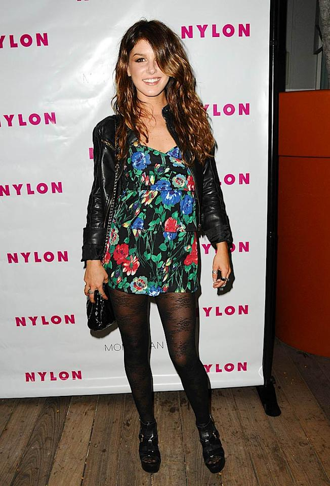 "With hair covering one eye, perhaps Shenae Grimes can't tell how ugly her outfit is. Jason LaVeris/<a href=""http://www.filmmagic.com/"" target=""new"">FilmMagic.com</a> - August 24, 2009"