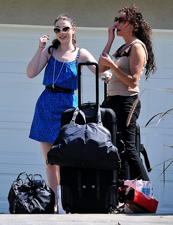 """""""Gossip Girl's"""" Michelle Trachtenberg and other Hollywood hotties scooped up some goodies Sunday at a gift party in LA. They reportedly left with designer luggage, beauty products, and more. Fern/<a href=""""http://www.splashnewsonline.com"""" target=""""new"""">Splash News</a> - August 8, 2010"""