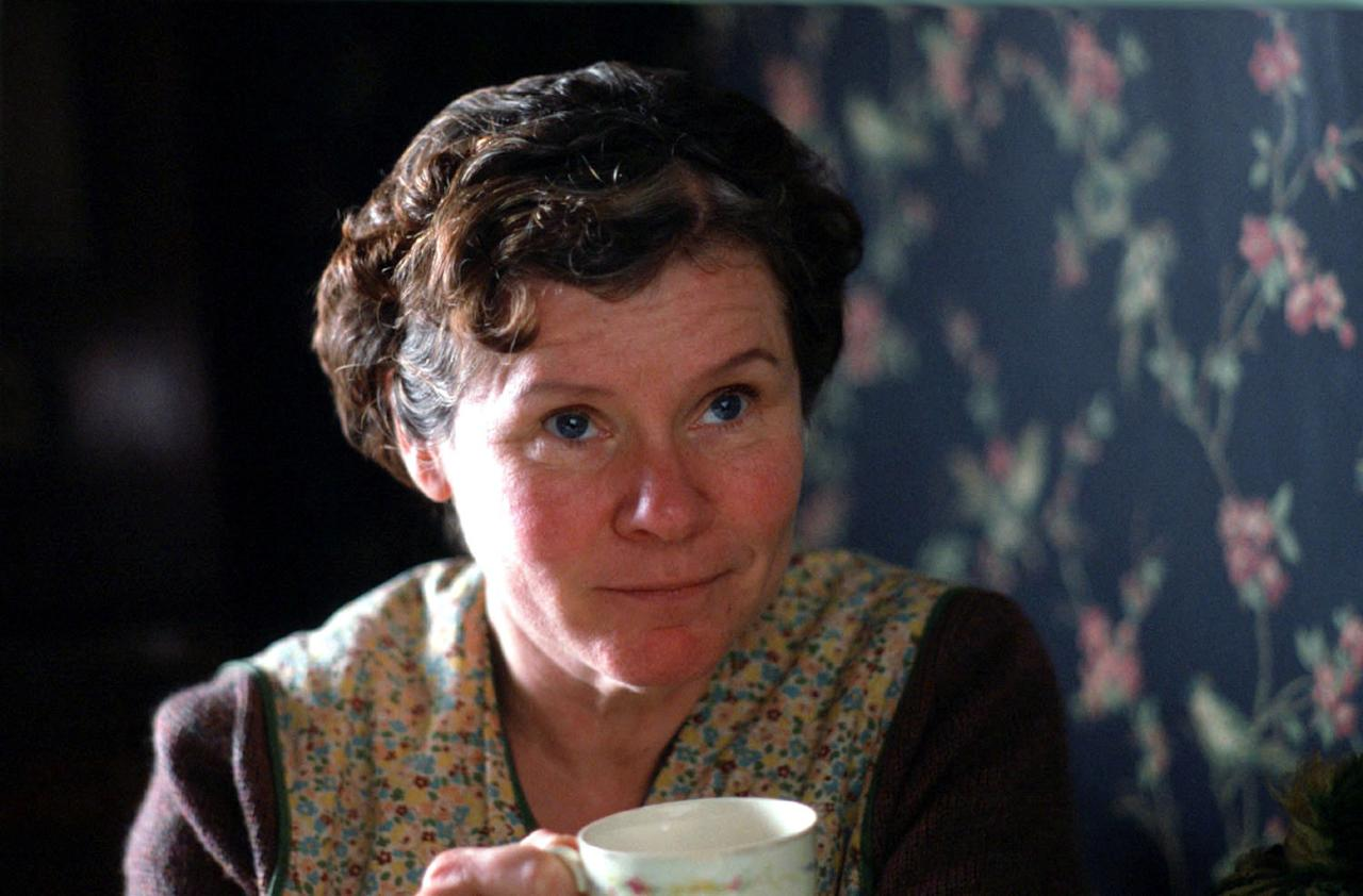 "Imelda Staunton, the silent treatment. Every actor has a terrifying nightmare of forgetting lines. For the titular role in ""Vera Drake"" (2004). Staunton went to director Mike Leigh's office and sat in deliberate silence for 30 minutes — at his request. ""He asked me to create an introverted character and just be that person, but without talking,"" as he observed, she said to the New York Post. ""I was so into being this character that I didn't even think about it being strange."" Introspection translated on screen and into a best-actress nomination."
