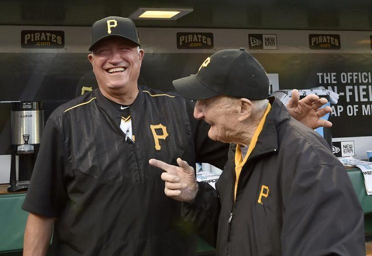 Usher Phil Coyne shared a moment with Pirates manager Clint Hurdle. (AP)