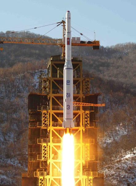 Pyongyang successfully launched a three-stage Unha-3 rocket carrying a satellite on December 12, 2012 from the Sohae launching station (AFP Photo/Kns)