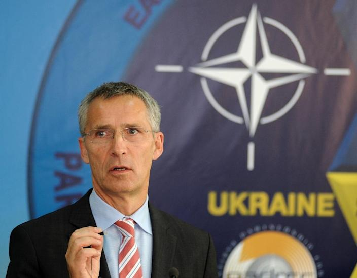 """NATO chief Jens Stoltenberg dismissed Russian claims that their fighter jets entered Turkish airspace by accident, calling the incident a """"serious violation"""" (AFP Photo/Yuriy Dyachyshyn)"""