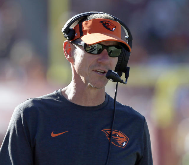 Oregon State head coach Gary Andersen talks on the sidelines during the second half of an NCAA college football game against Southern California in Los Angeles, Saturday, Oct. 7, 2017. (AP Photo/Alex Gallardo)