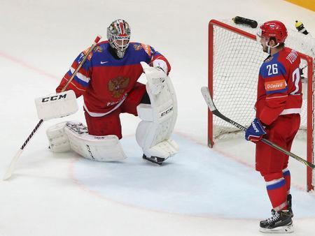 REFILE - CORRECTING PLAYER WHO SCOREDIce Hockey - 2016 IIHF World Championship - Semi-final - Finland v Russia - Moscow, Russia - 21/5/16 - Goalkeeper Sergei Bobrovski and Vyacheslav Voinov of Russia react after allowing a goal by Sebastian Aho of Finland. REUTERS/Grigory Dukor
