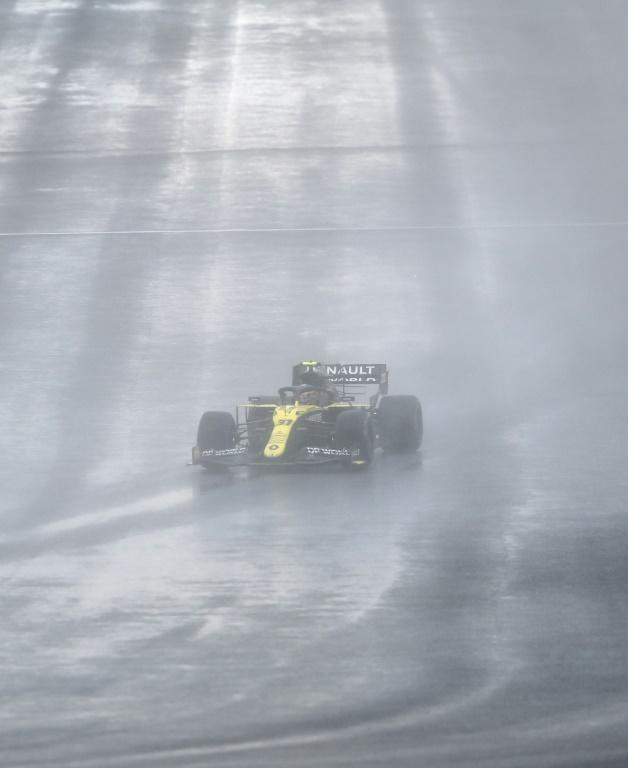 Ocon coping with the treacherous conditions in Istanbul