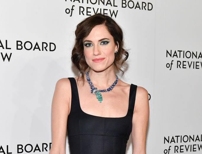 Allison Williams' delicate hair accessory at the Critics' Choice Awards is a must-try for 2018