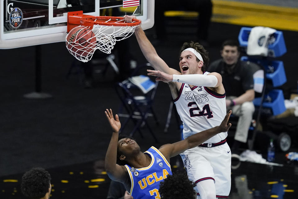 Gonzaga forward Corey Kispert (24) dunks in a Final Four game against UCLA. (AP Photo/Darron Cummings)