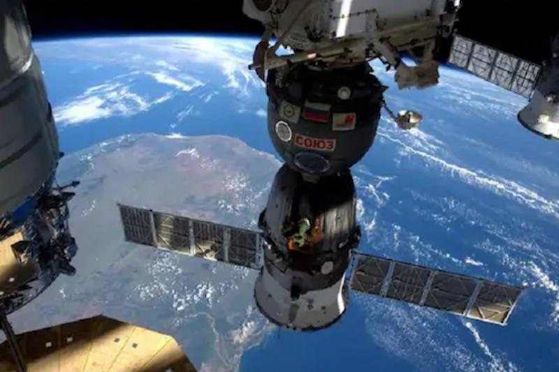 Mysterious Source of Air Leak Has Kept International Space Station Crew on Their Toes