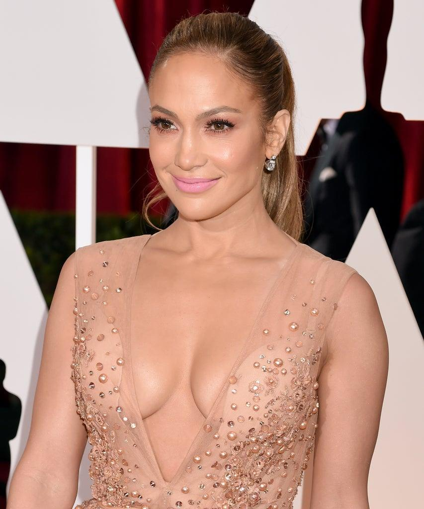 HOLLYWOOD, CA – FEBRUARY 22: Jennifer Lopez attends the 87th Annual Academy Awards at Hollywood & Highland Center on February 22, 2015 in Hollywood, California. (Photo by Jeff Kravitz/FilmMagic)