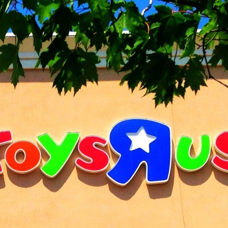 """Toys """"R"""" Us Is Coming Back, but With a Twist! - Here's What We Know"""