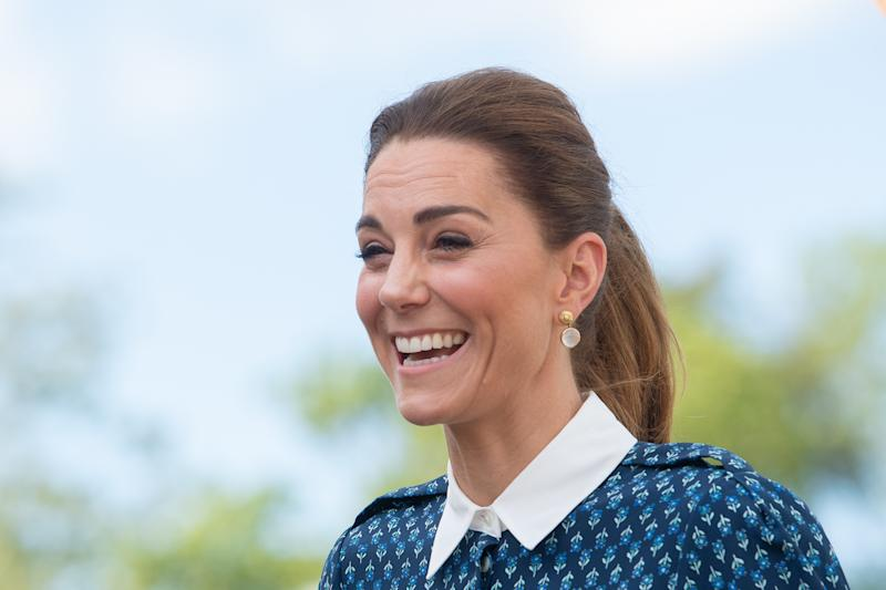 NORFOLK, UNITED KINGDOM - JULY 05: Catherine, Duchess of Cambridge visits Queen Elizabeth Hospital in King's Lynn as part of the NHS birthday celebrations on July 5, 2020 in Norfolk, England. Sunday marks the 72nd anniversary of the formation of the National Health Service (NHS). The UK has hailed its NHS for the work they have done during the Covid-19 pandemic. (Photo by Joe Giddens - WPA Pool/Getty Images)