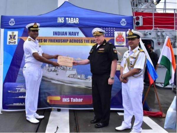 Russian Navy honouring Indian Navy's INS Tabar