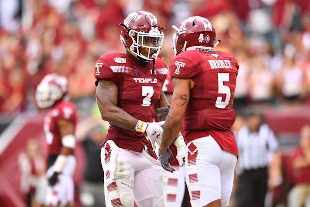 """Linebackers Chapelle Russell (3) and <a class=""""link rapid-noclick-resp"""" href=""""/ncaaf/players/263687/"""" data-ylk=""""slk:Shaun Bradley"""">Shaun Bradley</a> (5) led the way for the Temple defense against Maryland. (Photo by Kyle Ross/Icon Sportswire via Getty Images)"""