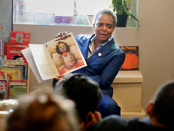 Chicago Mayor Lori Lightfoot reads a book to children at Breakthrough, a nonprofit that partners with those affected by poverty.  Chicago Public Schools teachers officially began  a strike on Thursday after failing to reach a new contract deal with the city. About 300,000 CPS students and their families are affected by the strike, as well as about 25,000 teachers in Chicago, Illinois, Thursday October 17, 2019  RICKWOOD/USATODAY NETWORK/MILWAUKEEJOURNALSENTINEL.COM (Via OlyDrop)