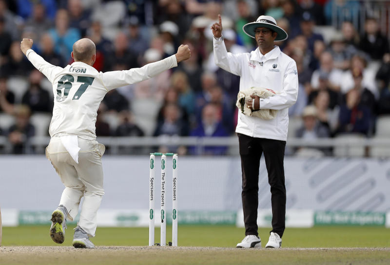 MANCHESTER, ENGLAND - SEPTEMBER 08: Nathan Lyon of Australia celebrates as Umpire Kumar Dharmasena gives Jofra Archer of England out LBW during day five of the 4th Specsavers Test between England and Australia at Old Trafford on September 08, 2019 in Manchester, England. (Photo by Ryan Pierse/Getty Images)