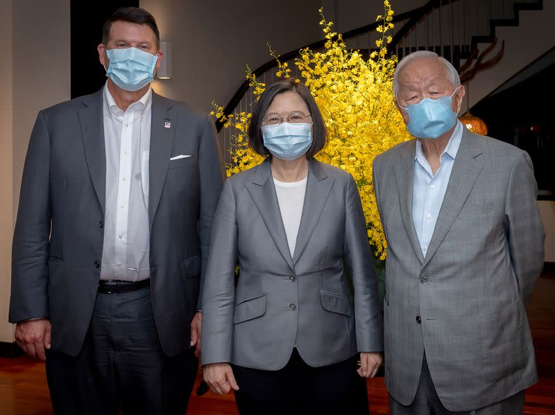 Tsai Ing-wen, Keith Krach and Morris Chang attend a banquet for the U.S. delegation in Taipei