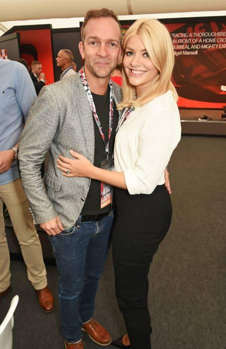 holly-willoughby-husband-dan