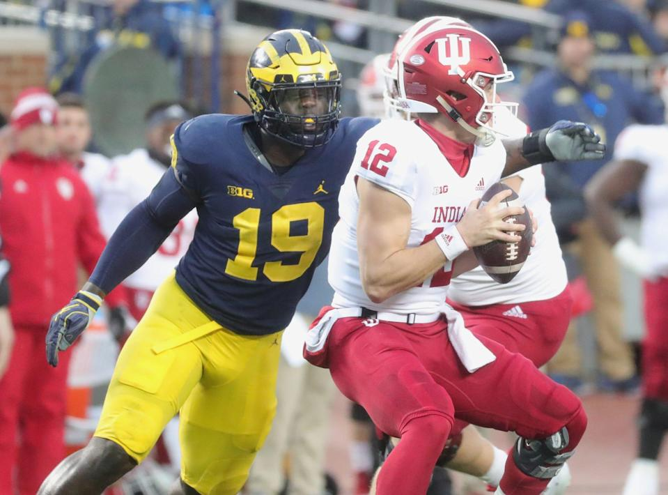 Michigan's Kwity Paye rushes against Indiana's Peyton Ramsey in the first half Saturday, Nov. 17, 2018 at Michigan Stadium in Ann Arbor.