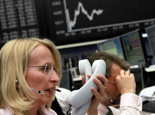 European shares mainly rise on Fed stimulus hopes