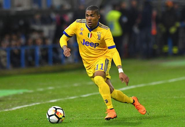 Manchester United is preparing a £40m bid for Bayern Munich winger Douglas Costa, who is currently on loan at Juventus.
