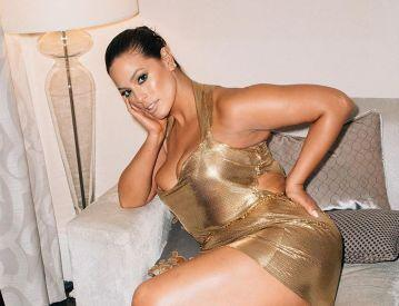 Ashley Graham is being praised for showing off her natural body on Instagram. (Photo: Instagram)