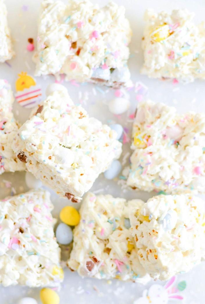 """<p>See! There's a reason we all mix our chocolate in our popcorn after all.</p><p><em><a href=""""http://www.keatseats.com/2017/03/easter-egg-popcorn-bars.html"""" rel=""""nofollow noopener"""" target=""""_blank"""" data-ylk=""""slk:Get the recipe from Keat's Eats »"""" class=""""link rapid-noclick-resp"""">Get the recipe from Keat's Eats »</a></em></p>"""