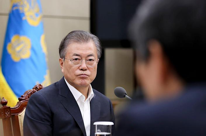 South Korea, led by President Moon Jae-in, plans to discontinue an intelligence-sharing agreement with Japan.